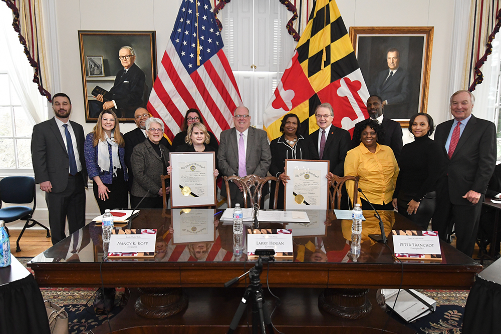 Governor Honors Lottery Employees with Customer Service Heroes Award